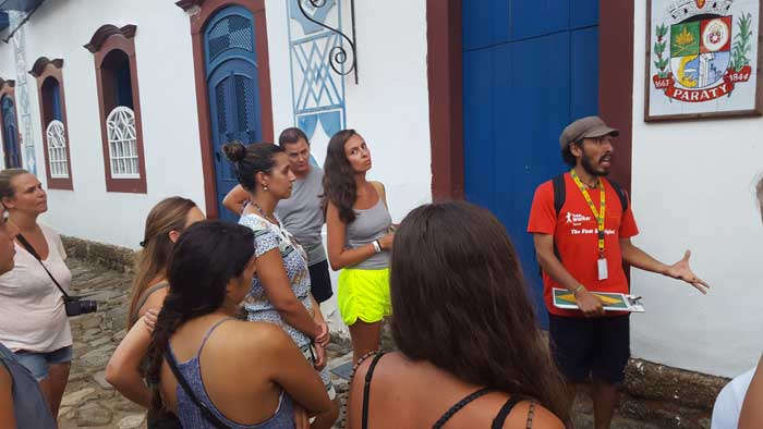 paraty free walking tours