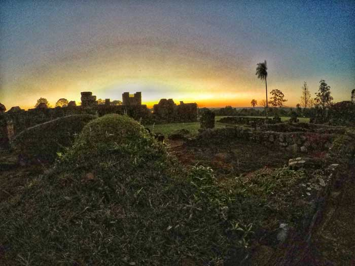 sunset-paraguay-ruins