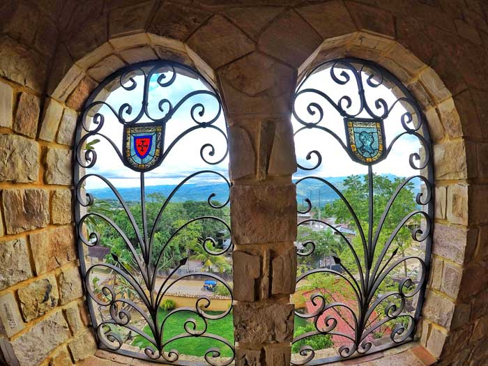 tarapoto castle window-deco